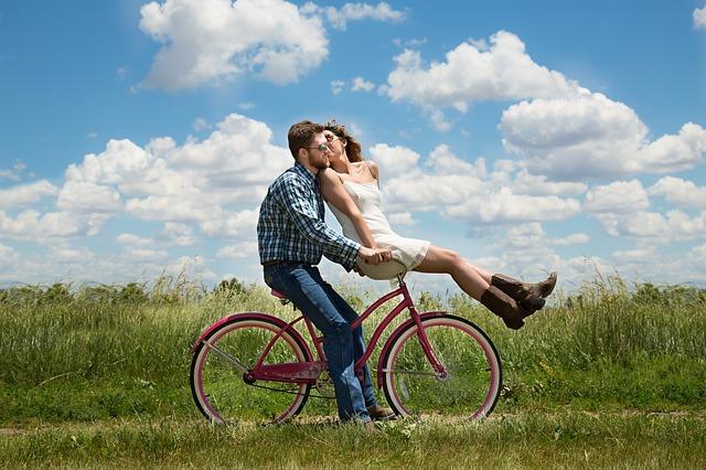 Atracción y Rechazo en las Relaciones